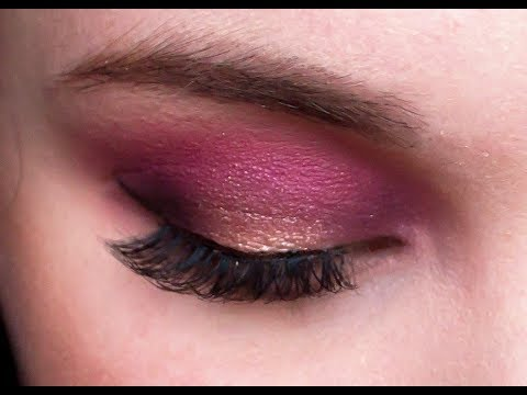 Sultry Valentines Day Halo Eye Makeup Tutorial