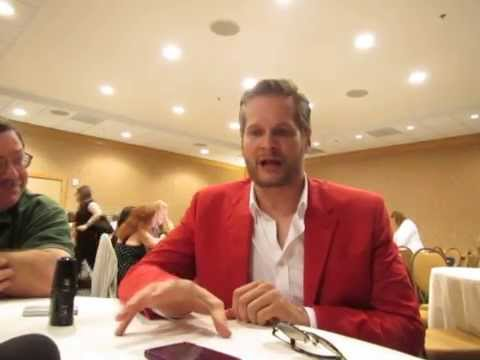 Hannibal SDCC 2014 - Bryan Fuller Interview