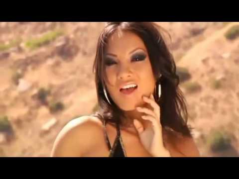 Asa Akira sexy dance