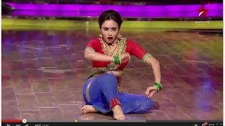 Watch Marathi mulgi, Amruta Khanvilkar on Nach Baliye 7!