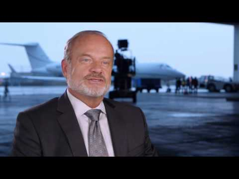 "Transformers: Age of Extinction: Kelsey Grammer ""Harold Attinger"" Behind the Scenes Movie Interview"