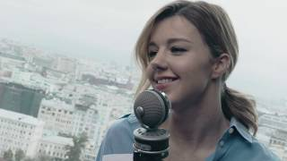 Смотреть клип песни: Юлианна Караулова - Феномены