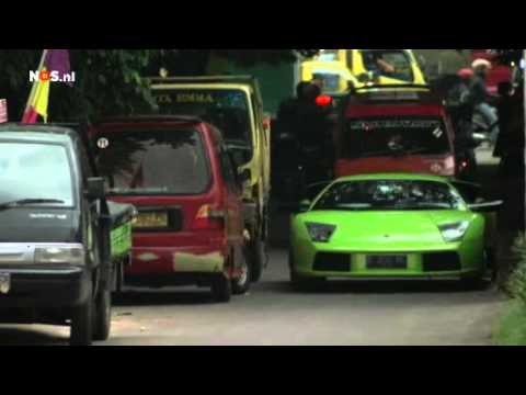 TopGear in Jakarta goes totally wrong!