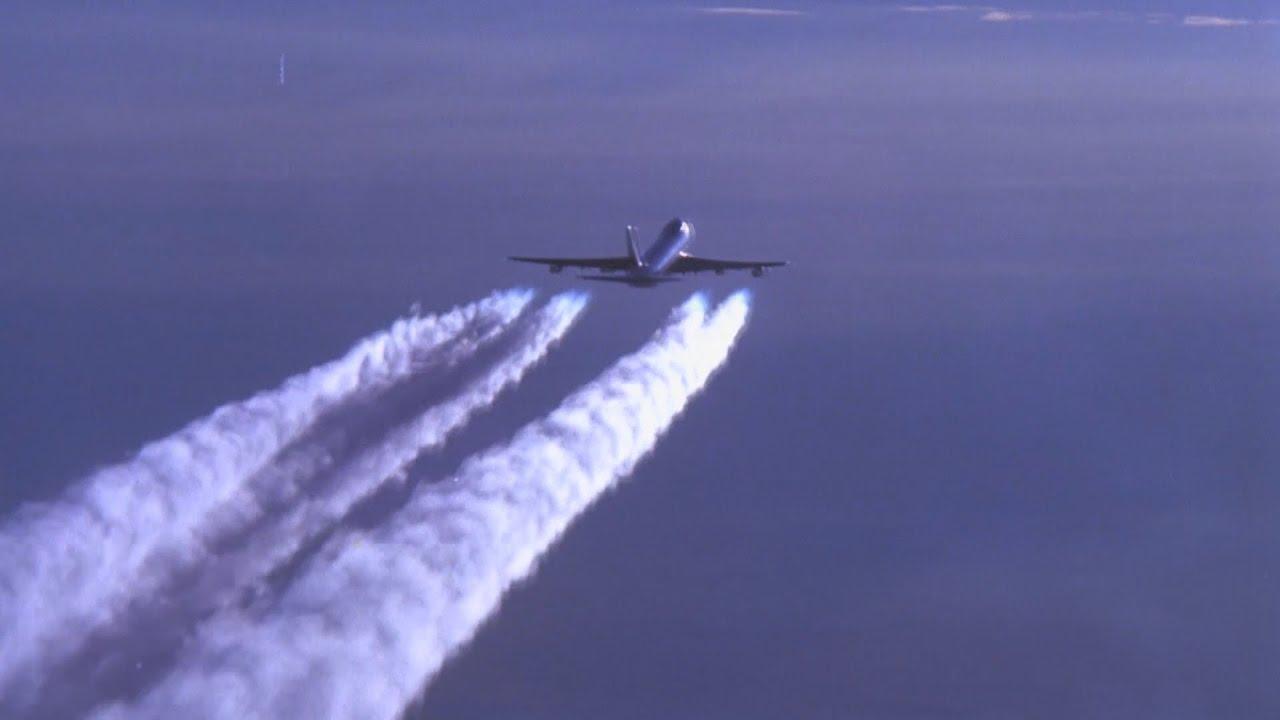 USA, sites secrets défenses: les trainées d'avions.