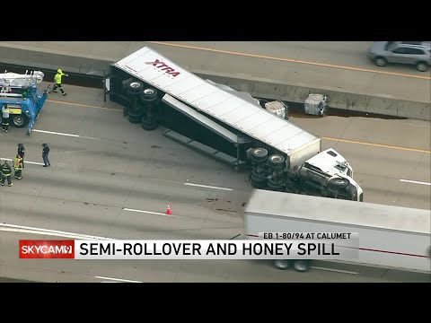 Mick Lee - 41,000 Pounds of Honey spills on Chicagoland Interstate