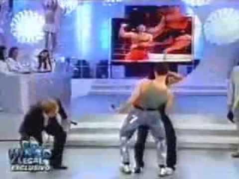 "Van Damme e Gretchen no ""Domingo Legal"""