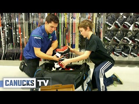 How to Pack a Hockey Bag With Bo Horvat