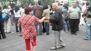 """Linda Hermosa y Miyagi bailando Son Montuno """" Ahora me Toca a Mi """""""