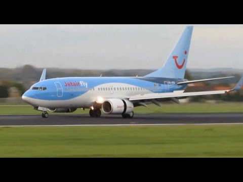 Dawn landing Jetairfly Boeing 737-700 at Brussels Airport - YouTube
