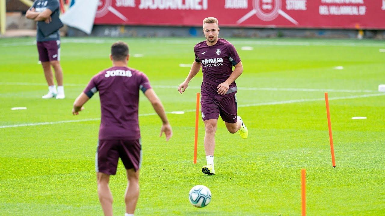 Primer entrenamiento de Javi Ontiveros con el Villarreal CF