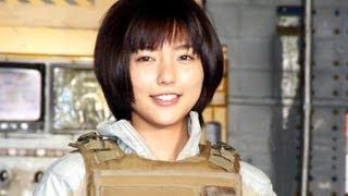 歌手で女優の真野恵里菜さんが、2014年に実写化される「機動警察パトレ...