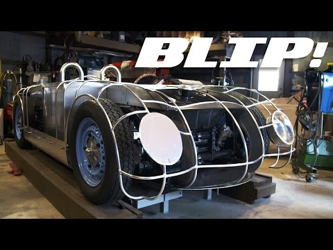 Here's How You Bend Flat Metal Into A Lovely Car | BLIP!