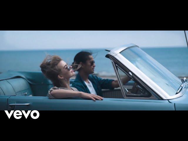 Hayden James - Just Friends (Official Video) ft. Boy Matthews