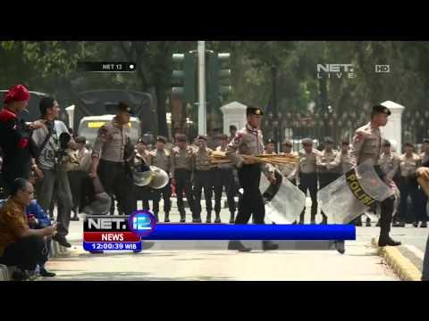 Live Report Aksi Demo Buruh Di Bundaran HI Jakarta - NET12