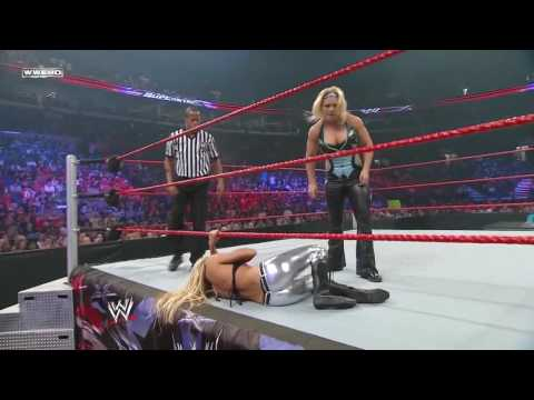 WWE Superstars 08/20/09 - Kelly Kelly Vs Beth Phoenix