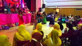 BEST MEHNDI DANCE MASH UP EVER - 2015