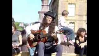 Awesome acoustic guitar solo by Estas Tonne