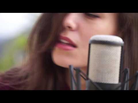 Lisa Ritchie - EST (Acoustic)