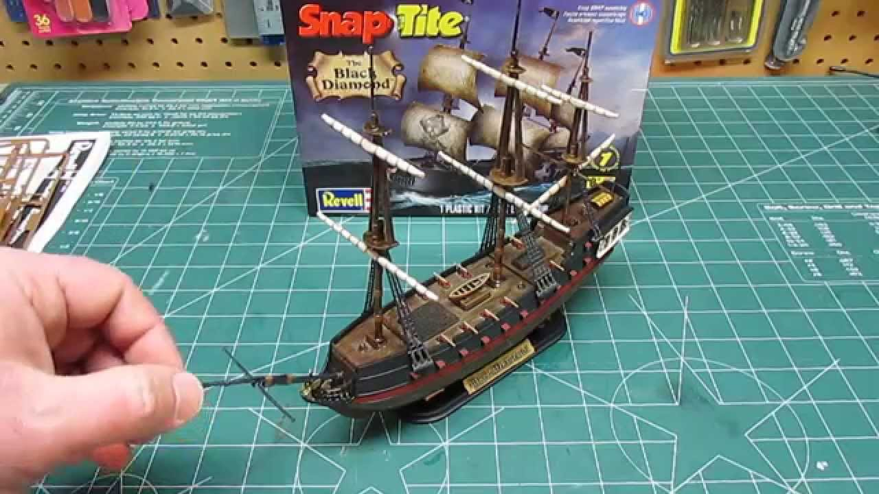 Revell 1 350 Snap Pirate Ship Black Diamond Model Kit Open