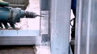 Строительство дома по технологии ЛСТК(Соединение стеновых панелей дома из ЛСТК, с прокладкой стыков панелей уплотнительным материалом., 2013-01-05T14:40:58.000Z)