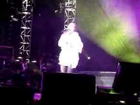 Sammi Cheng 鄭秀文 - 終身美麗 [Show Mi Live in Sydney 08]