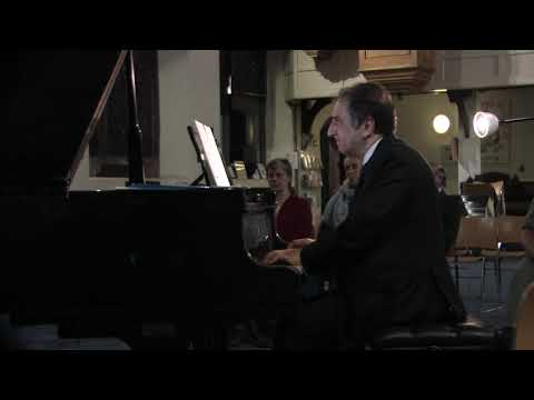 Carlo Grante performs music by Keith Barnard