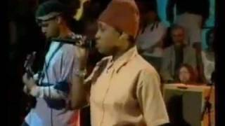 I Know (Dionne Farris song) UK LIVE