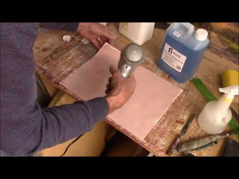 DIY gesso and using PVA glue as a primer and varnish.