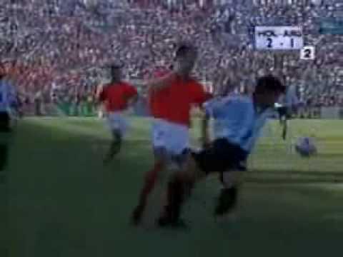 Dennis Bergkamp WK 1998 (Commentaar Jack van Gelder)