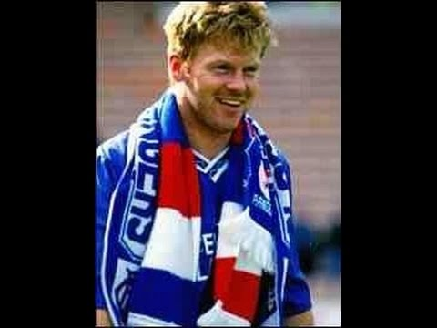 10th July 1989 Mo Johnston signs for Rangers