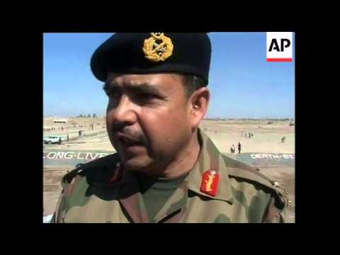Pakistan fortifies its border with Afghanistan