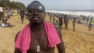00 Zimpala DiDi et Haly Le Grand parlent du son Spot Les Snipers du Faso à la plage de Bassam