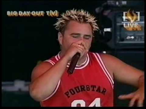 Superheist - Step Back - Live BDO 2002
