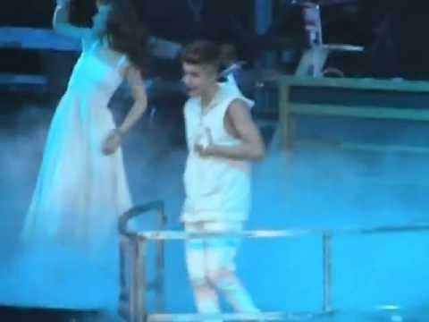 Justin Bieber - Catching Feelings - Believe Tour - St ...  Justin Bieber -...