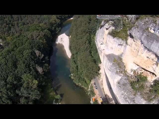 saut à l'élastique dans les gorges du Tarn au 107