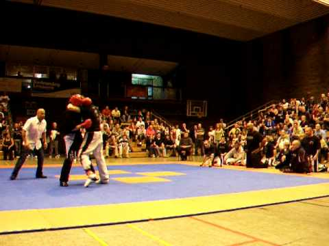 Bob sykes clash of the titans 08 youtube bob sykes clash of the titans 08 malvernweather Choice Image