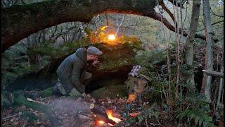 Bushcraft Survival Camp | Sleeping Under A Natural Rock Shelter.