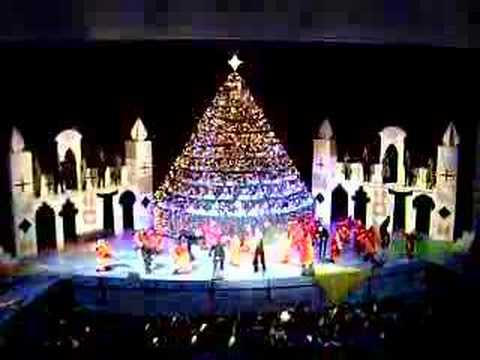 DIANE RISK SINGING CHRISTMAS TREE SACRAMENTO CA - DIANE RISK SINGING CHRISTMAS TREE SACRAMENTO CA - YouTube