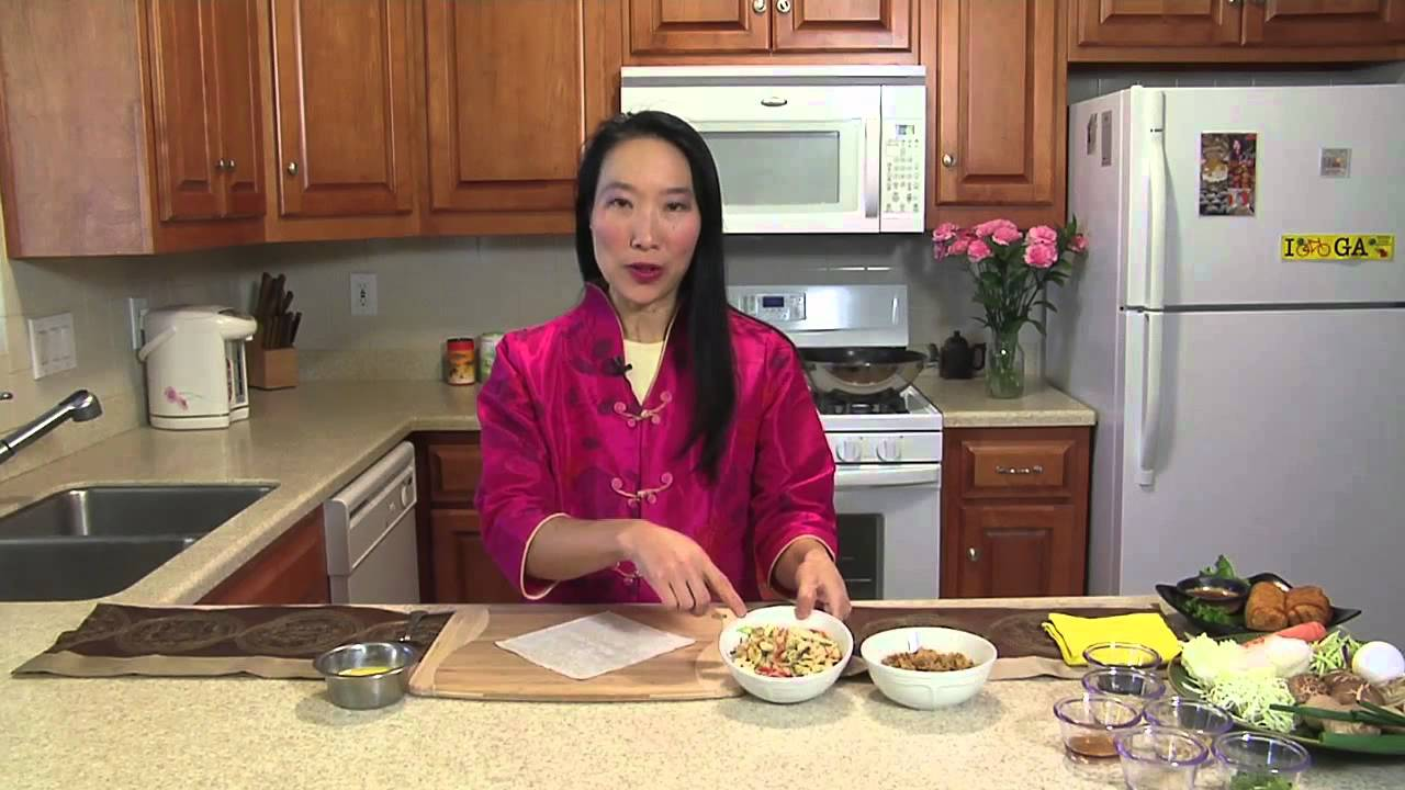 How to make authentic chinese egg rolls chinese food at for Academy of oriental cuisine