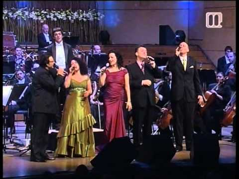 Have yourself a merry little Christmas - Oto Pestner & New York Voices (live)