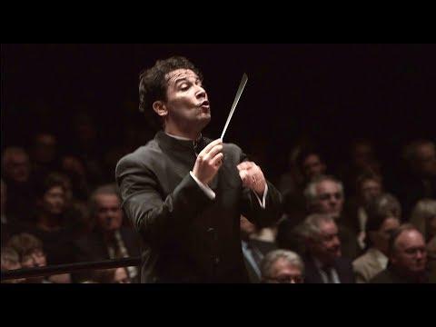Mahler: 5. Sinfonie ∙ hr-Sinfonieorchester ∙ Andrés Orozco-Estrada
