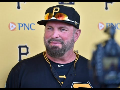 5bf6dd20e59623 Garth Brooks on stepping up to the plate with the Pirates in Bradenton -  News - Sarasota Herald-Tribune - Sarasota, FL