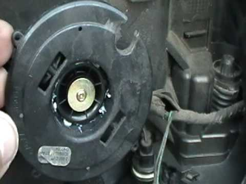 Taking off side mirror on 03 06 expedition youtube for Power mirror motor repair