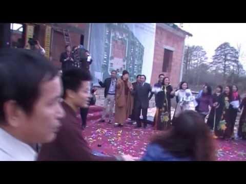 Nối vòng tay lớn - Đồng ca ngày cất nóc chùa Nhân Hòa Warszawa, BaLan