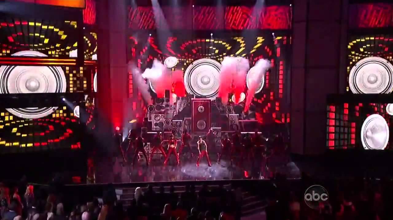 Download Justin Bieber + Nicki Minaj 'Beauty and a Beat' During 2012 American Music Awards Performance