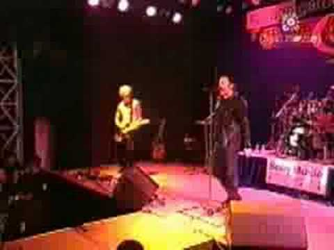 Tears of Pearls (Live in Taiwan 1997)