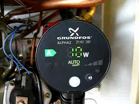 grundfos alpha2 in junkers zwr18 4ae ansicht youtube. Black Bedroom Furniture Sets. Home Design Ideas