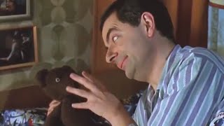 Bean Flies Home | Funny Clips | Mr Bean Official