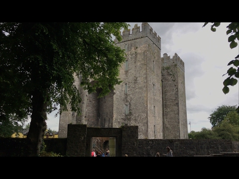 Bunratty Castle and Craggunowen folk park - Babbles Travelling Vlogs