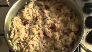 אורז עם צימוקים ושקדים-rice With Almonds And Raisins